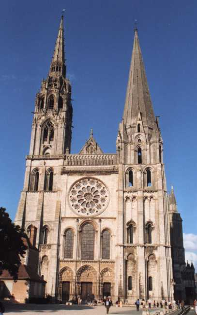 http://his.nicolas.free.fr/Histoire/Monuments/Eglises/Chartres/ChartresCathedrale1_WEB.jpg